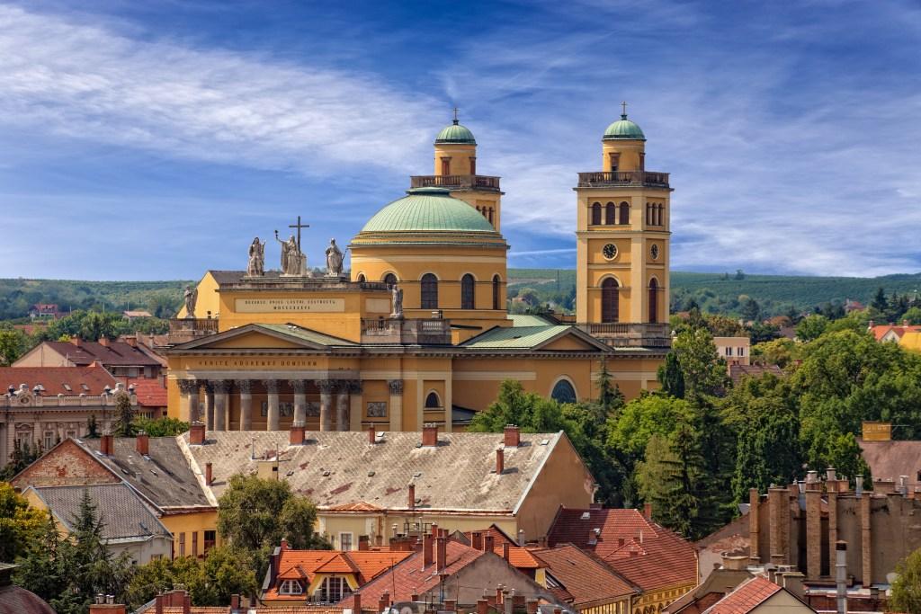 Take a look inside Eger Basilica