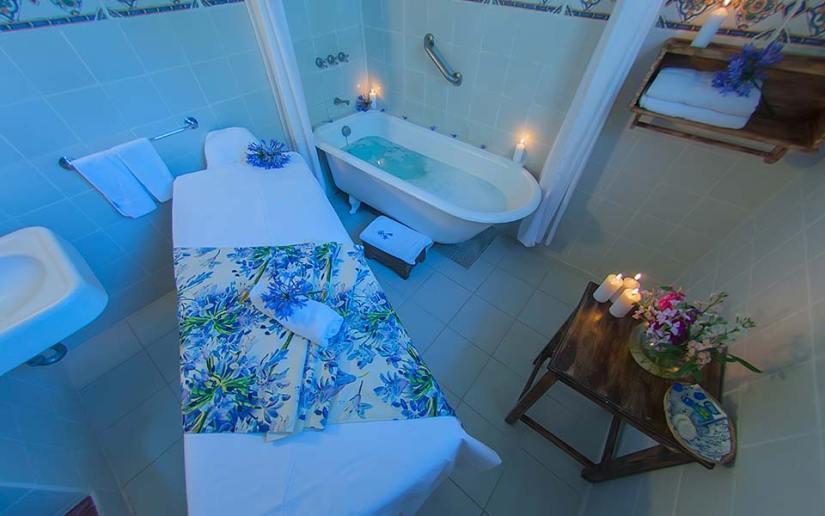 baños-tina-hacienda-pinsaqui-otavalo-ecuador