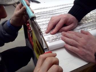 Zum Verbinden der LED-Stripes verwenden wir Stiftleisten