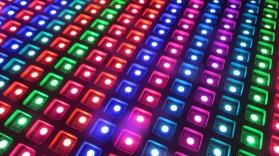 Viele bunte LEDs, warten nur darauf von dir zu einem Spiel geformt zu werden