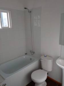 Valdivia Chile Real Estate - Full Bathroom of House in Pino Huacho 1 - Near Niebla and Valdivia