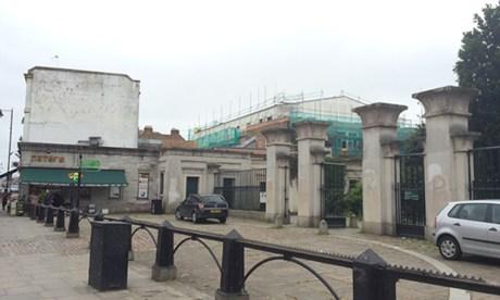 Abney Park gates stoke newington