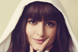 Sonakshi Sinha Chopped her Hair into a Cute Fringe Cut
