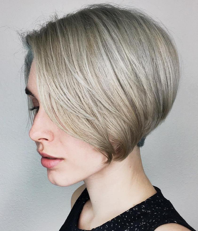 Inverted Jaw-Length Blonde Fine Hair Bob
