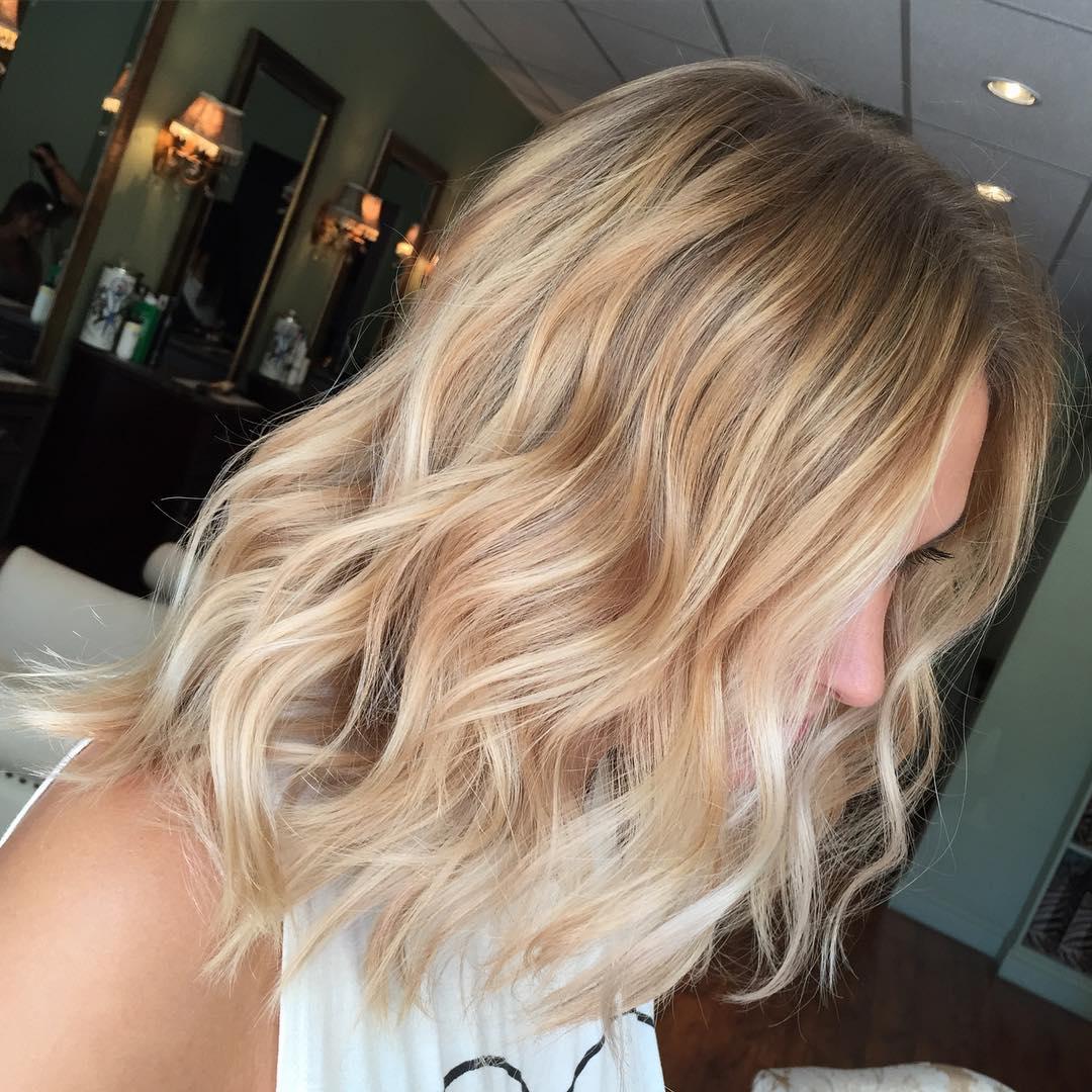 Mid-Length Thin Wavy Hairstyle
