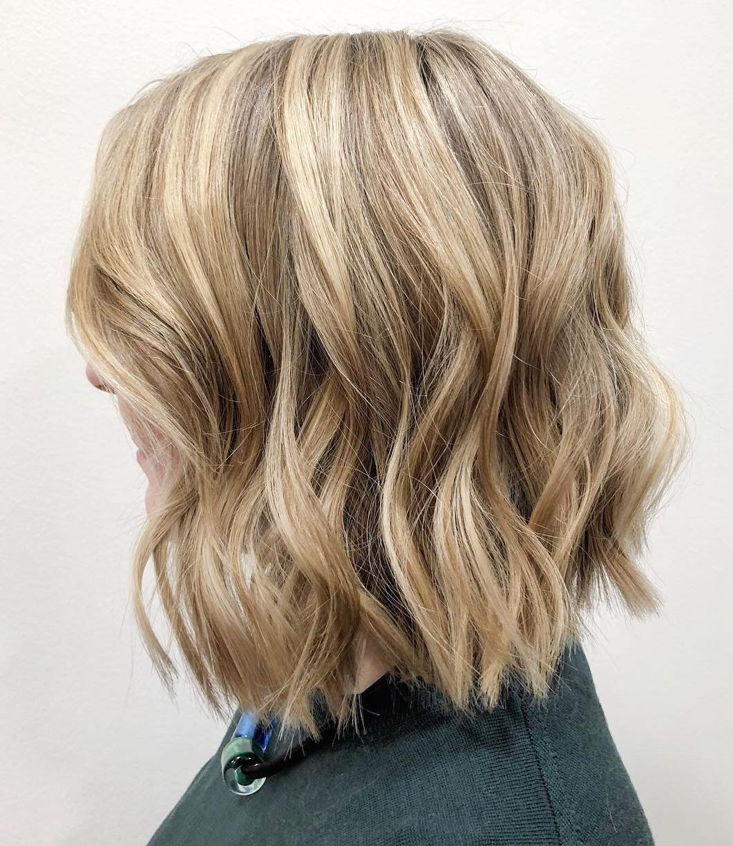 Square-Shaped Choppy Wavy Lob for Older