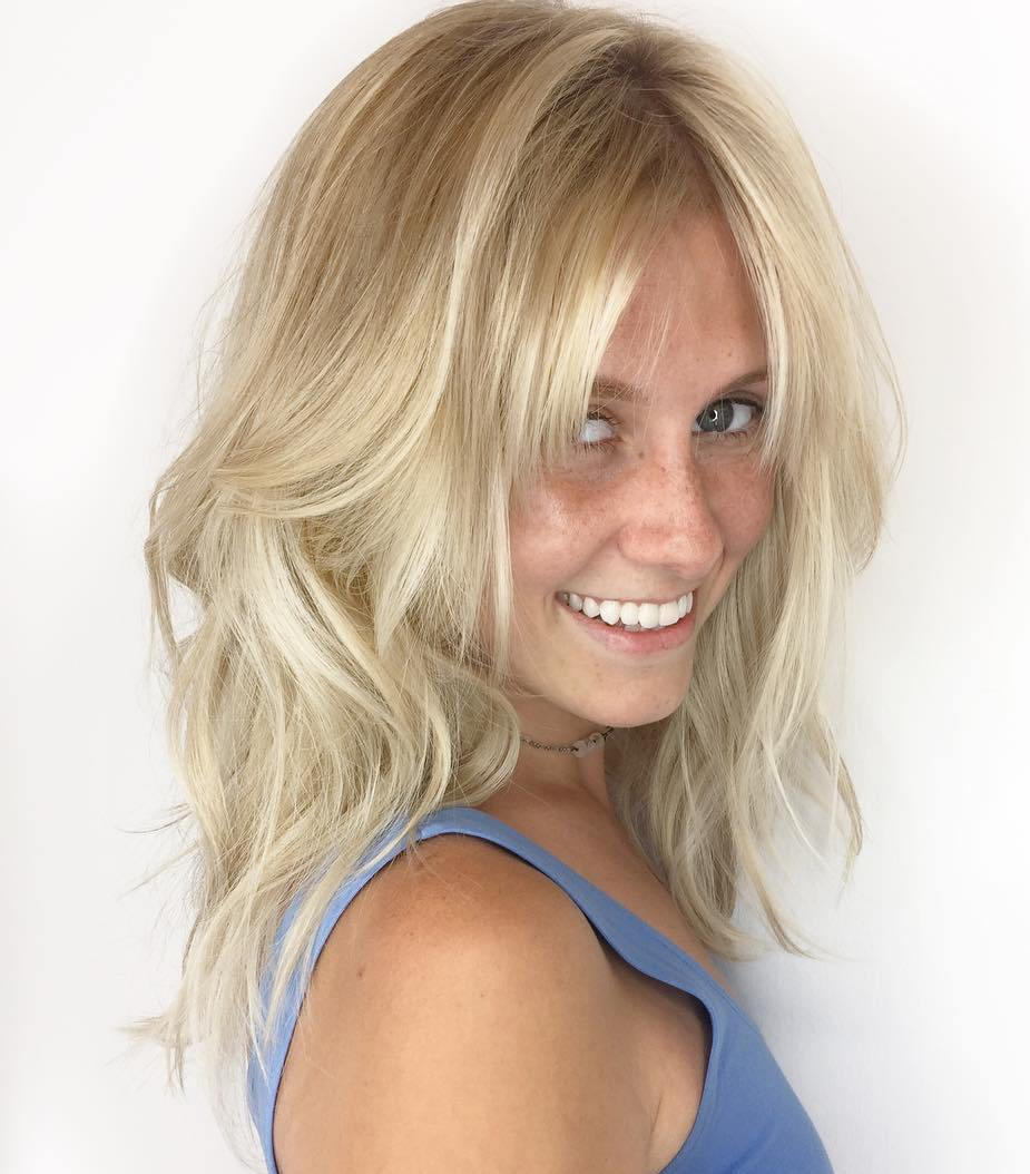 Medium Messy Blonde Banged Hairstyle for Thin Hair