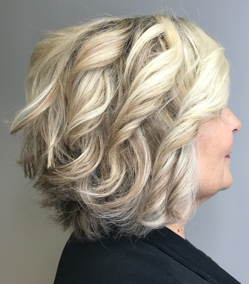 Ash Blonde Wavy Bob for Thick Hair