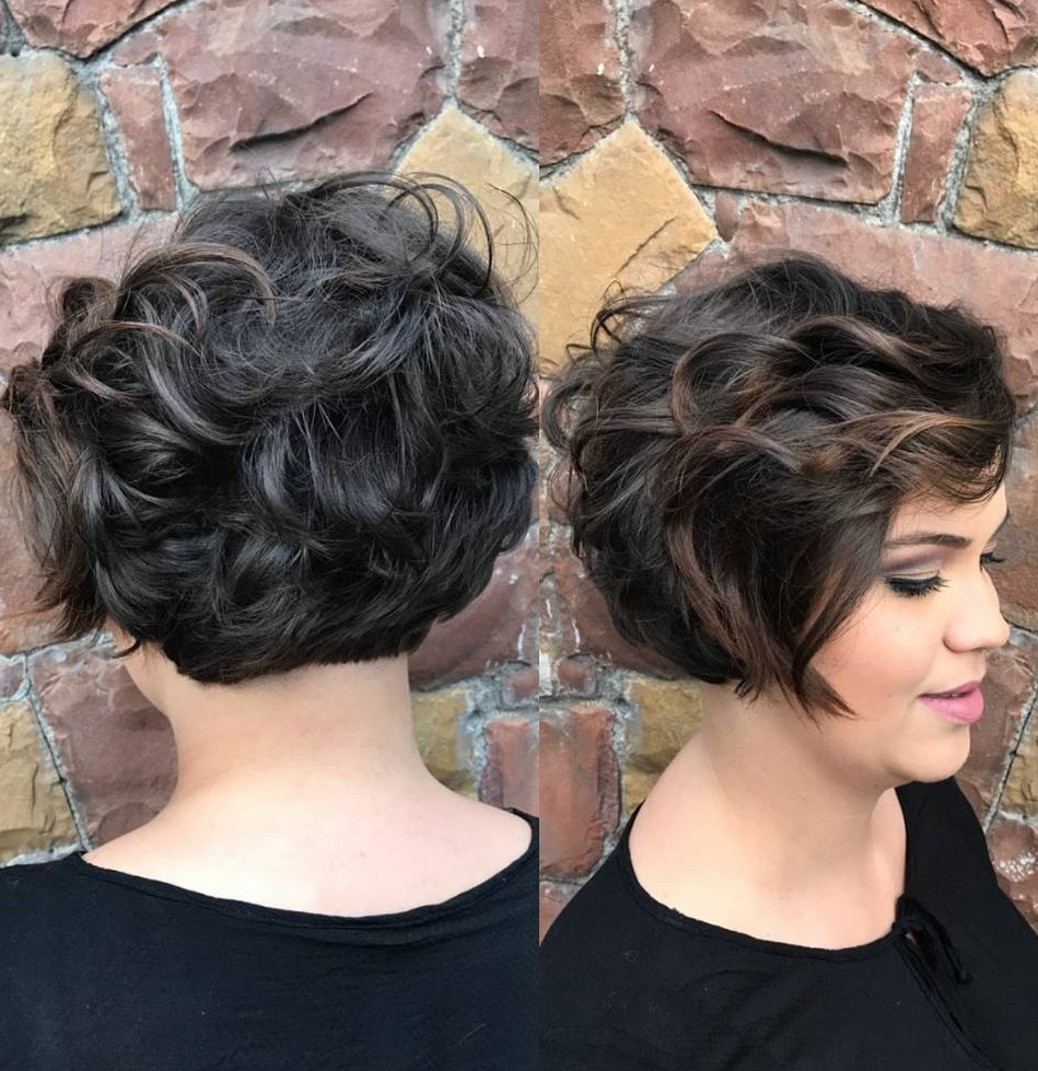 11 Best Short Hairstyles for Thick Hair in 11 - Hair Adviser