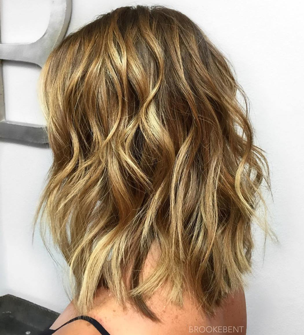 Simple Wavy Hairstyle with Golden Blonde Balayage
