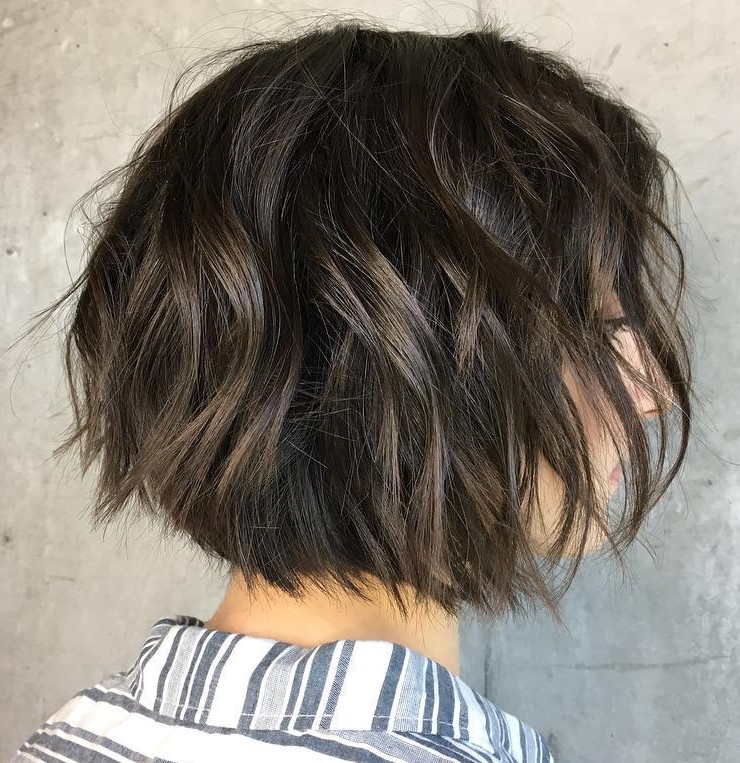 Brunette Messy Bob with Layers, Waves and Subtle Highlights