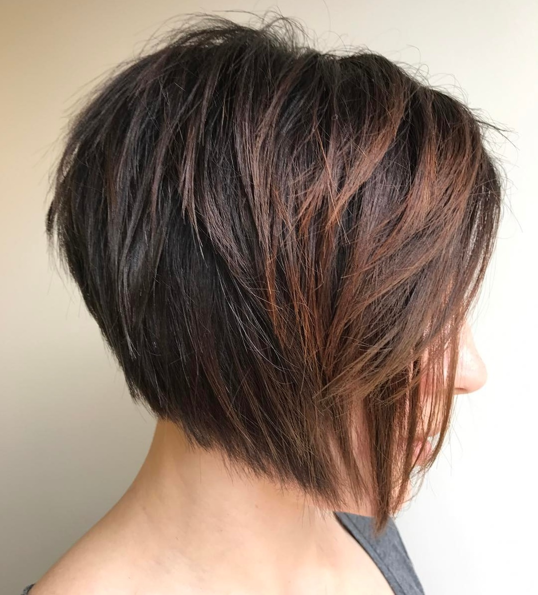 Textured Layered Bob Cut with Highlights
