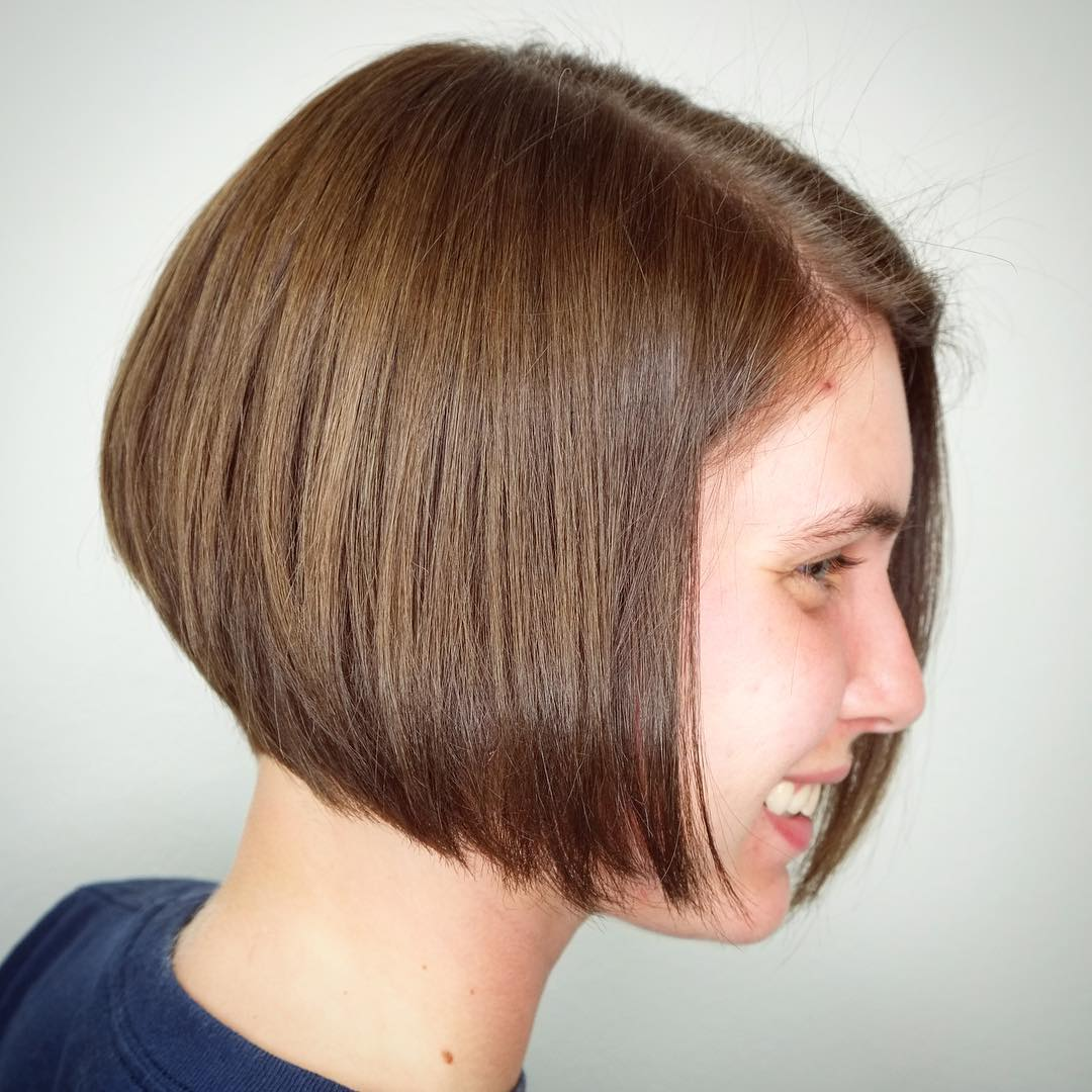 Jaw-Length Stacked Light Brown Bob with Fuller Top Layers