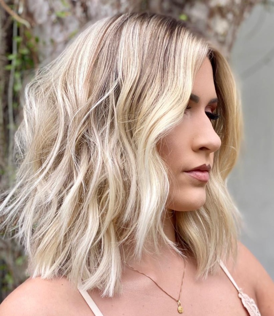 Shoulder Length Haircut for Wavy Hair