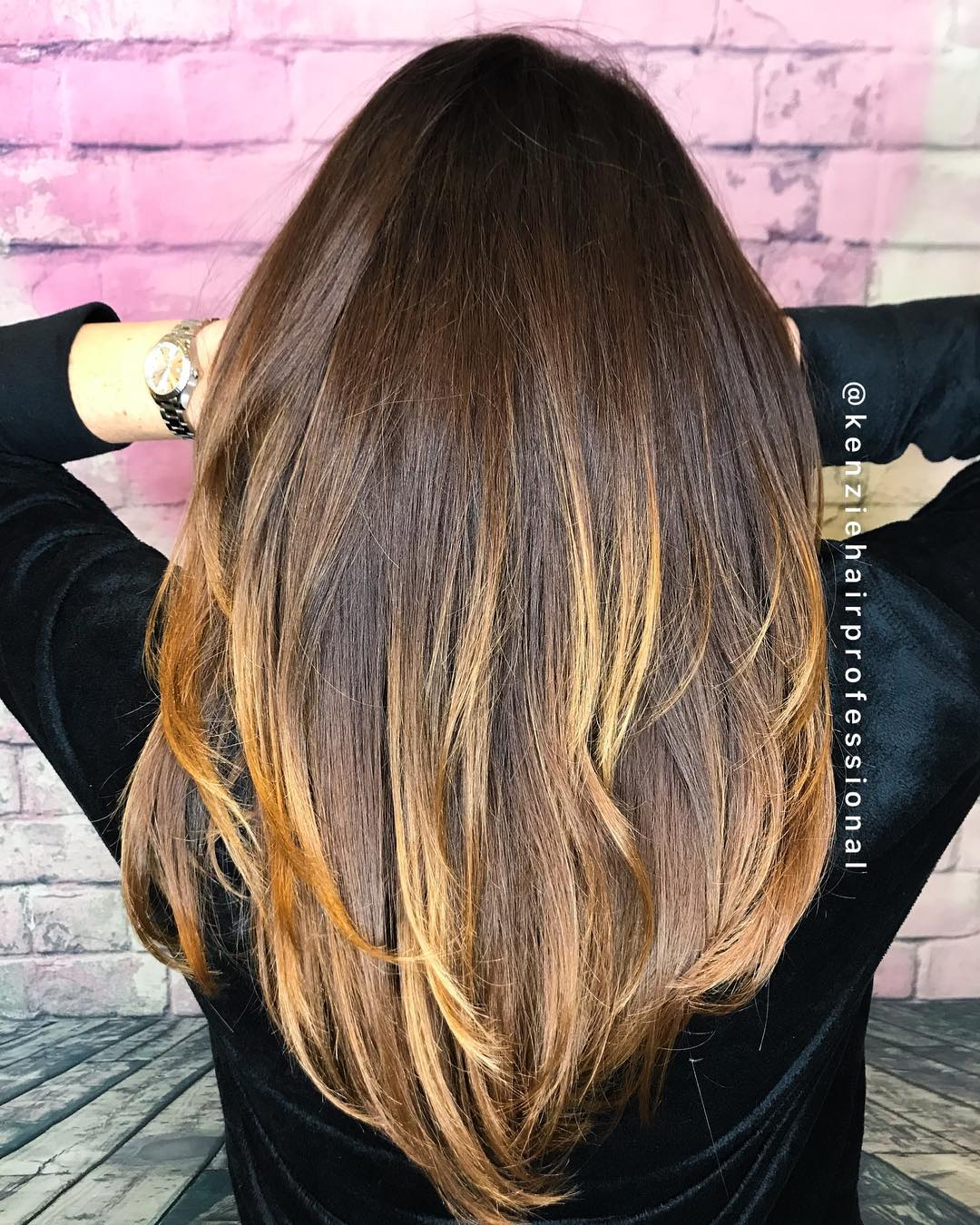 Layered Brunette Hair with Golden Highlights