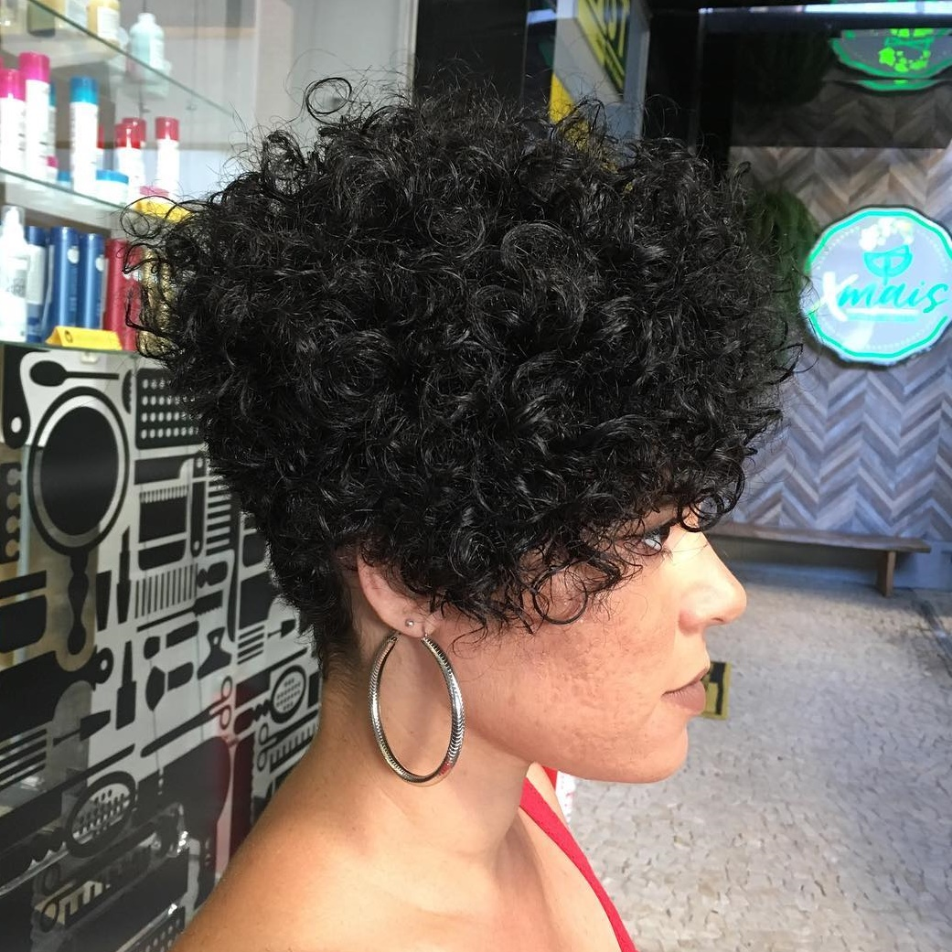 Sexy Short Tapered Wavy Style