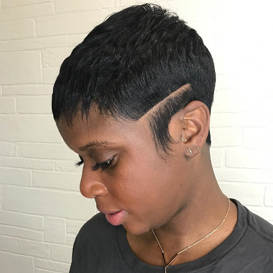 Short Black Haircuts Women 10