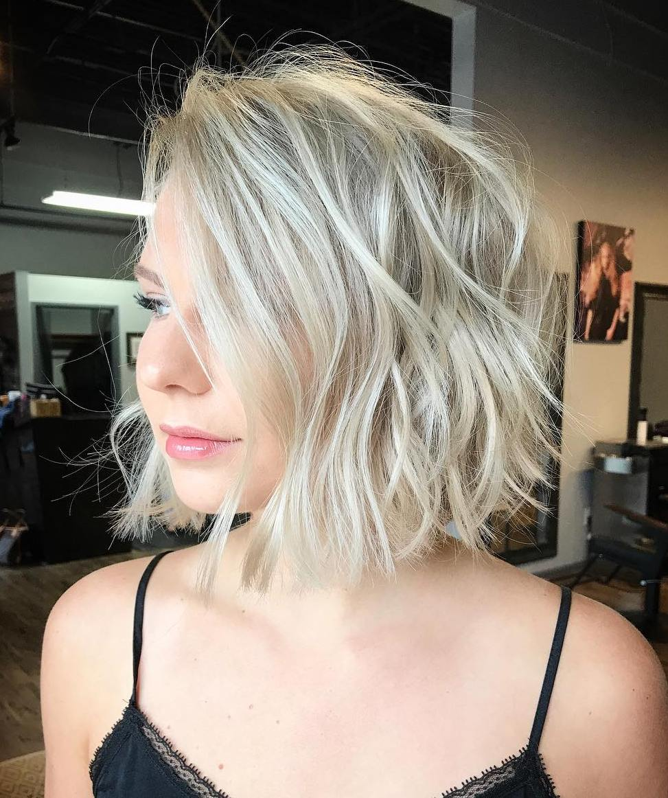 50 Short Hairstyles for Round Faces with Slimming Effect