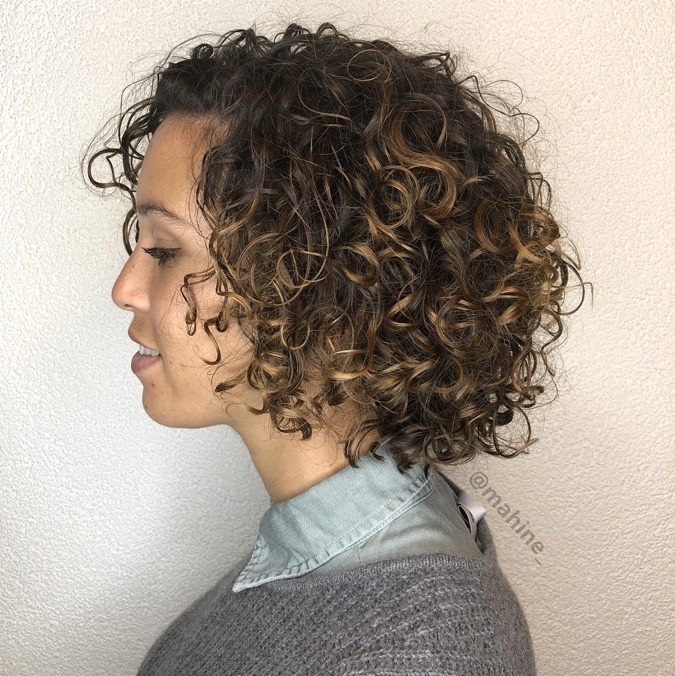 Rounded Shaggy Bob for Curly Hair