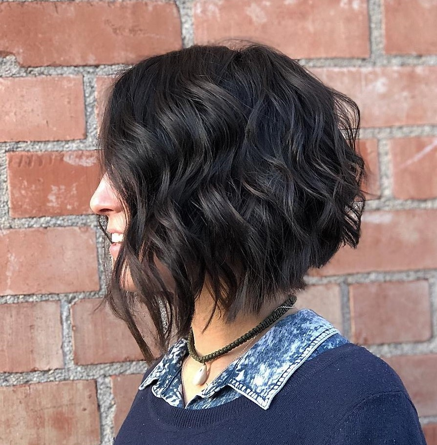 Pretty Wavy Bob with Choppy Ends