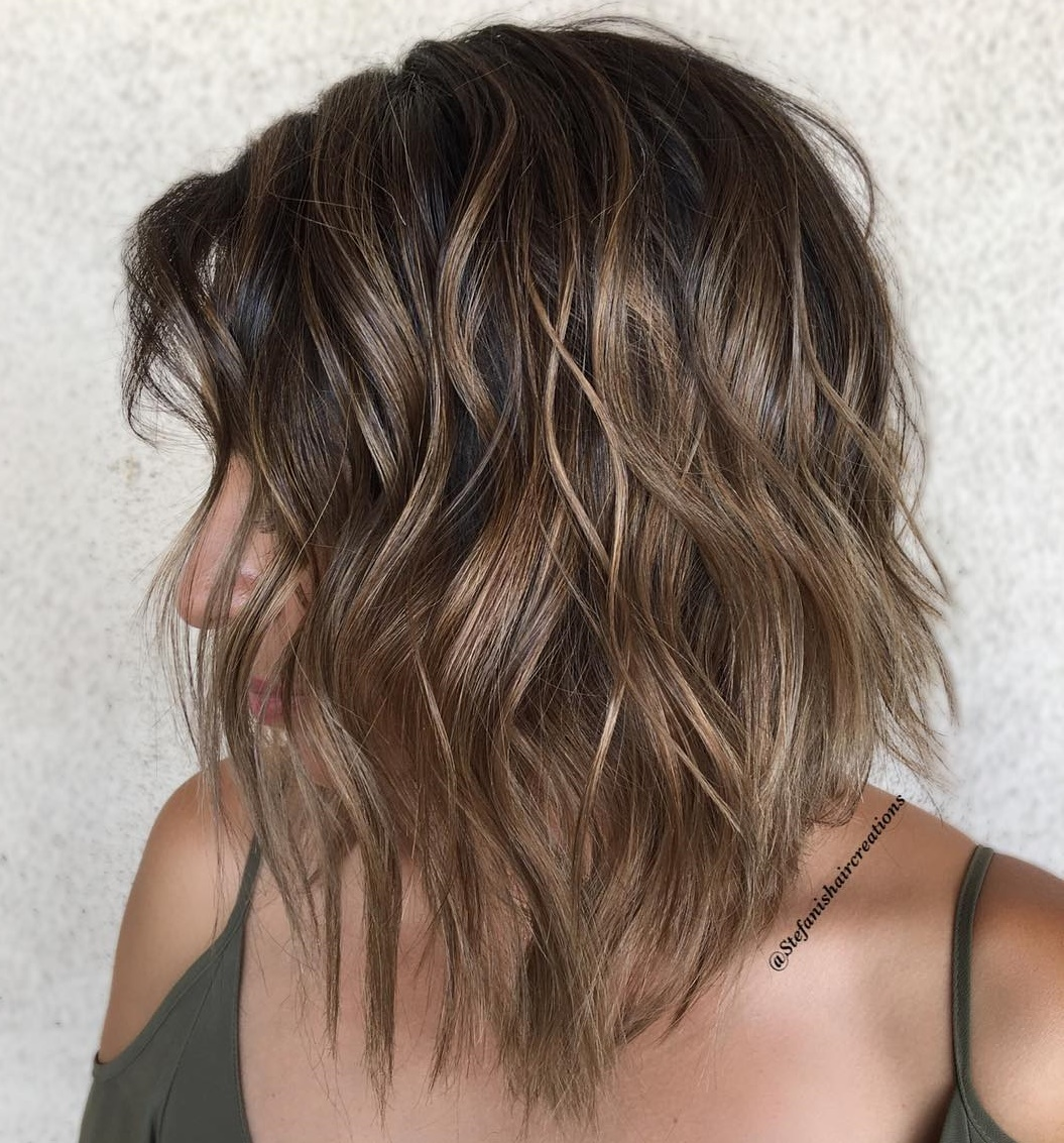 Easy Wavy Bob with Natural-Looking Highlights