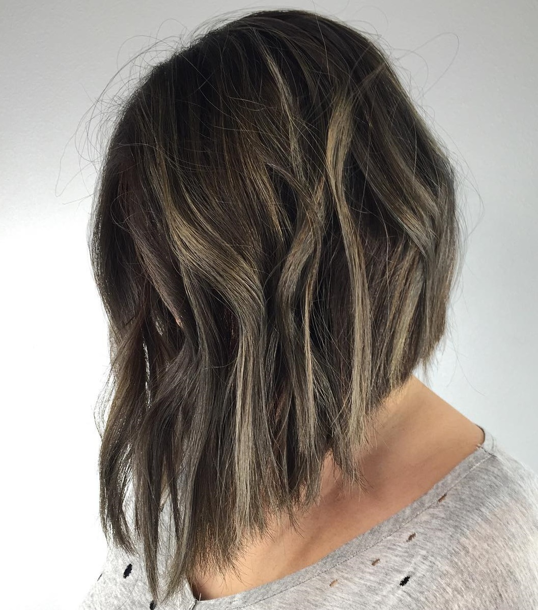 Chic Wavy Angled A-Line Lob
