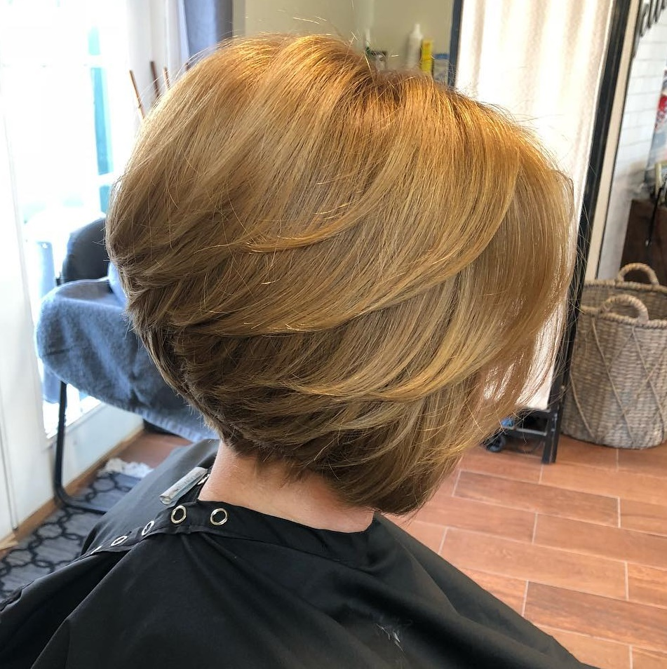 50 Stacked Bob Haircuts You Ll Be Dying To Try In 2020 Hair Adviser
