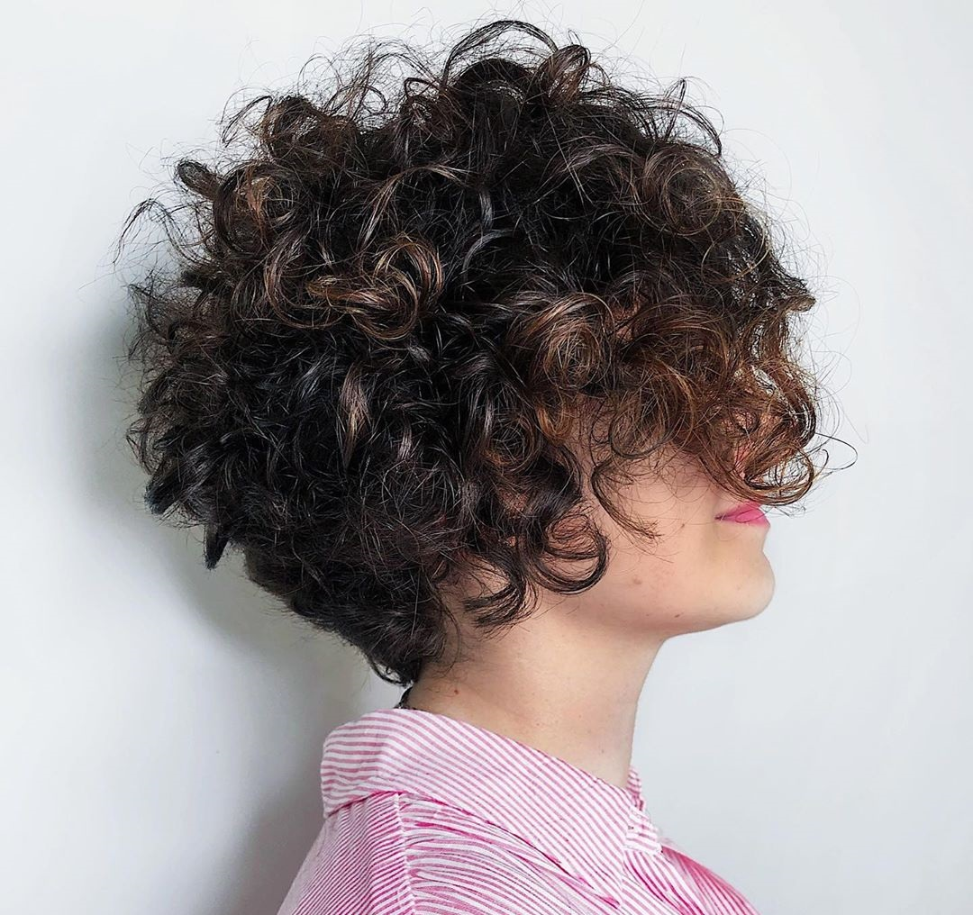 Reverse Bob for Curly Hair