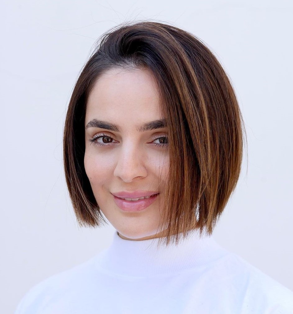 Textured Bob Haircut for Oval-Faced Women