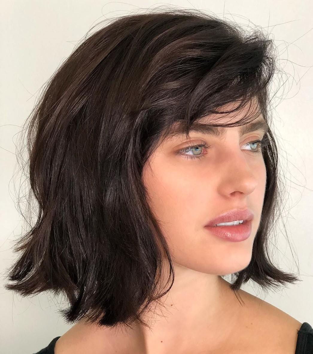 Medium Bob Hairstyle for Oval Faces