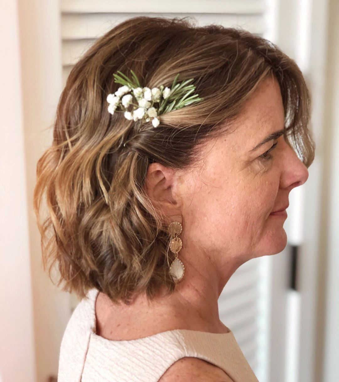 Mom of the Bride Wavy Bob Hairstyle