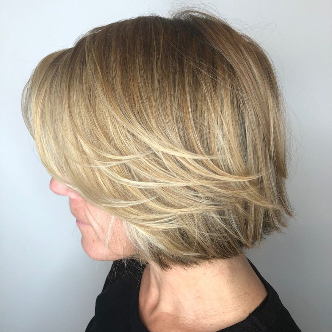 Short Hairstyle with Feathered Layers