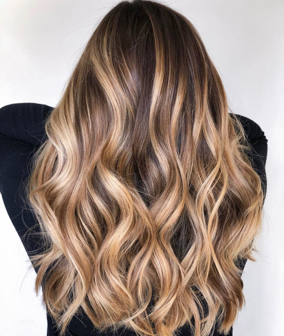 Long Honey Bronde Balayage Hair