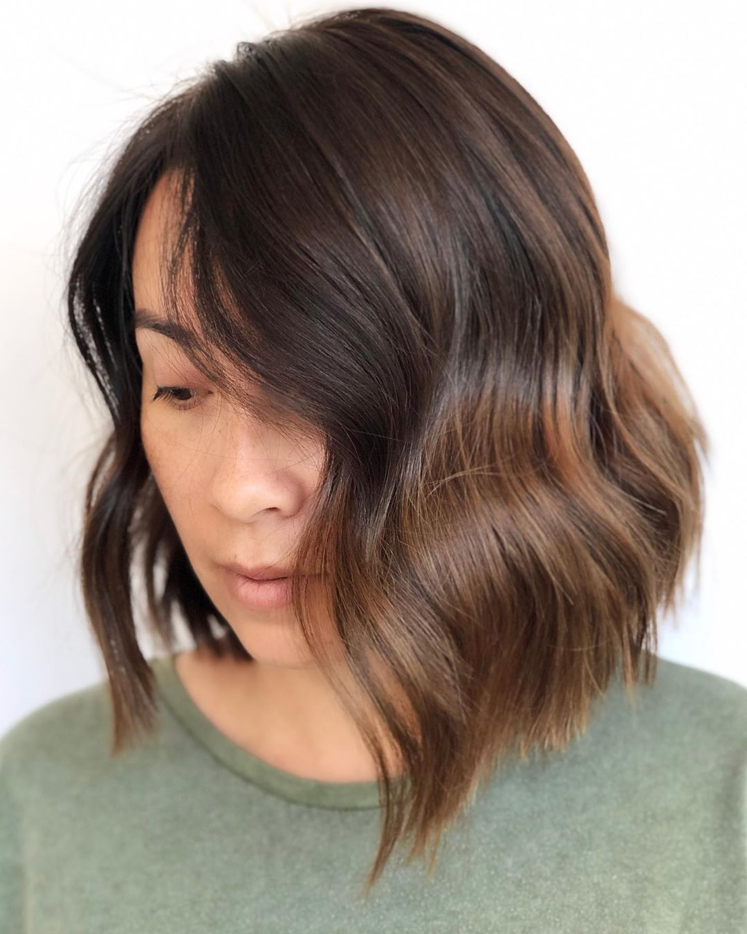 Romantic Shoulder-Length Hairstyle with Waves