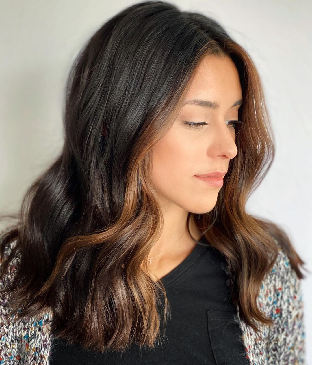 Brown Hair with Face-Framing Highlights