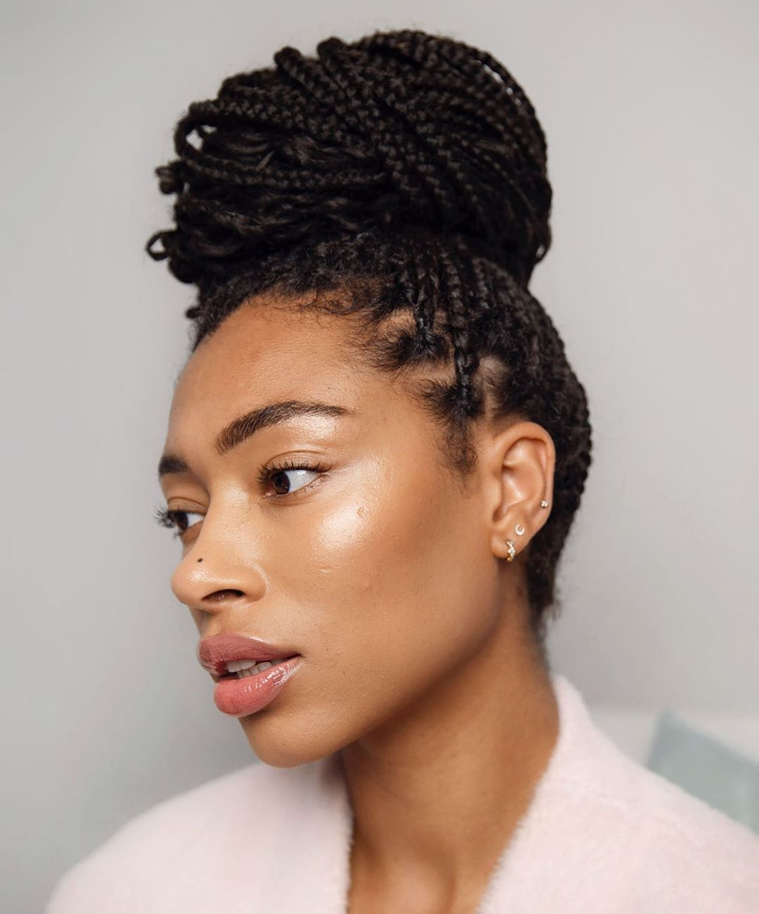 High Bun Hairstyle to Do with Box Braids