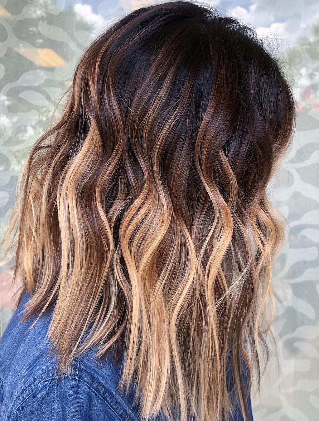Caramel Blonde Highlights for Medium Hair