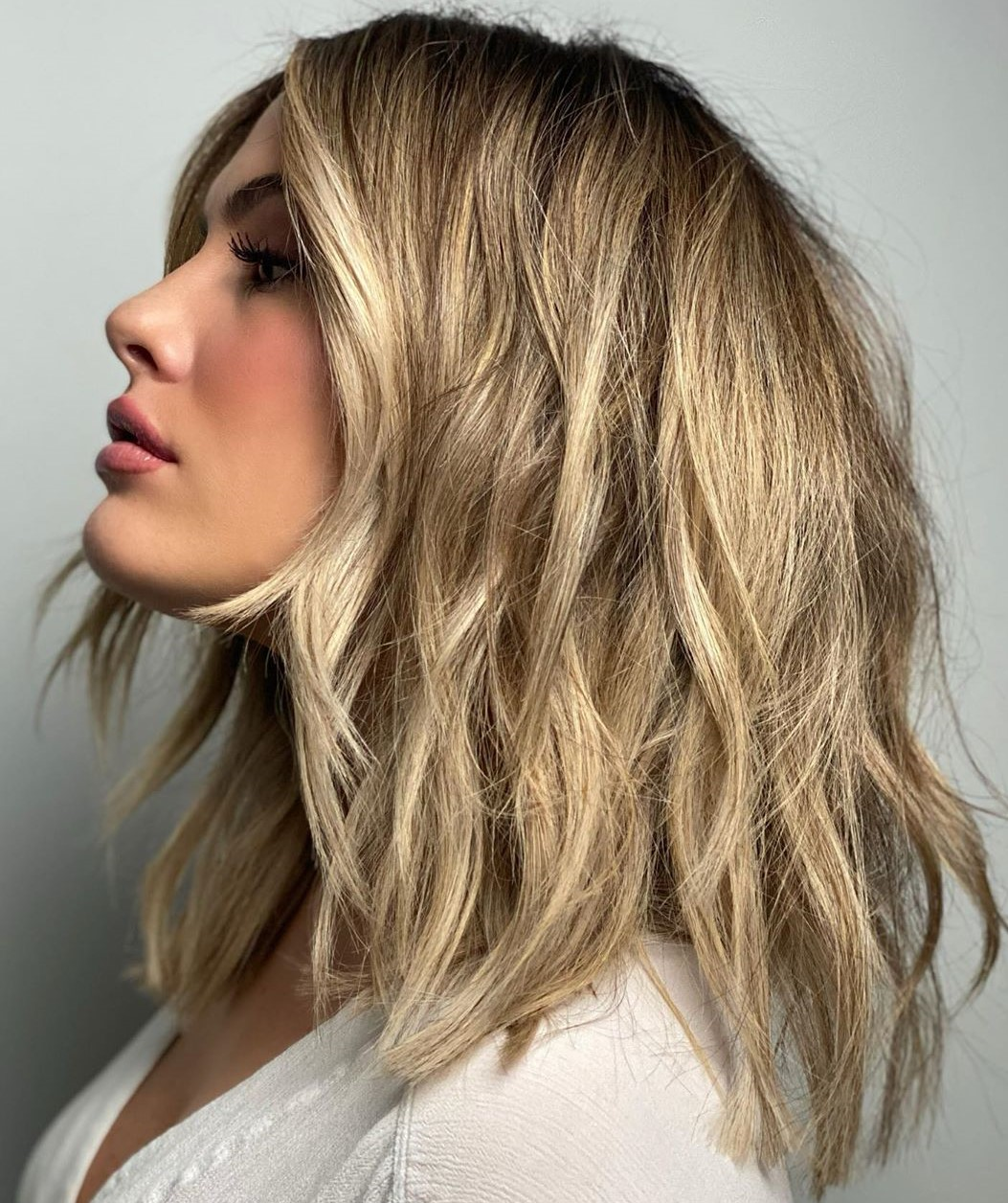 Shoulder-Length Dirty Blonde Cut