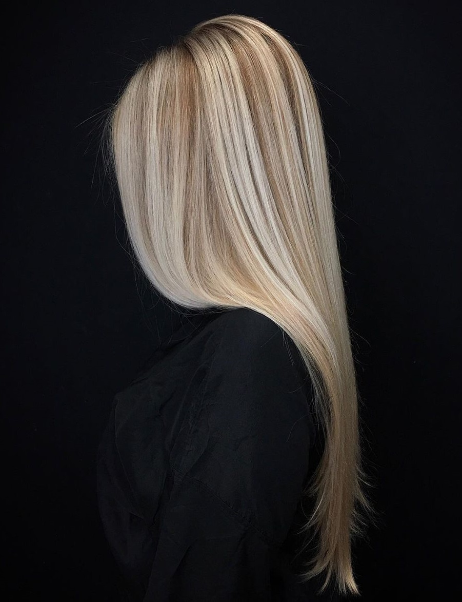 Straight Sleek Hair with Blonde Highlights