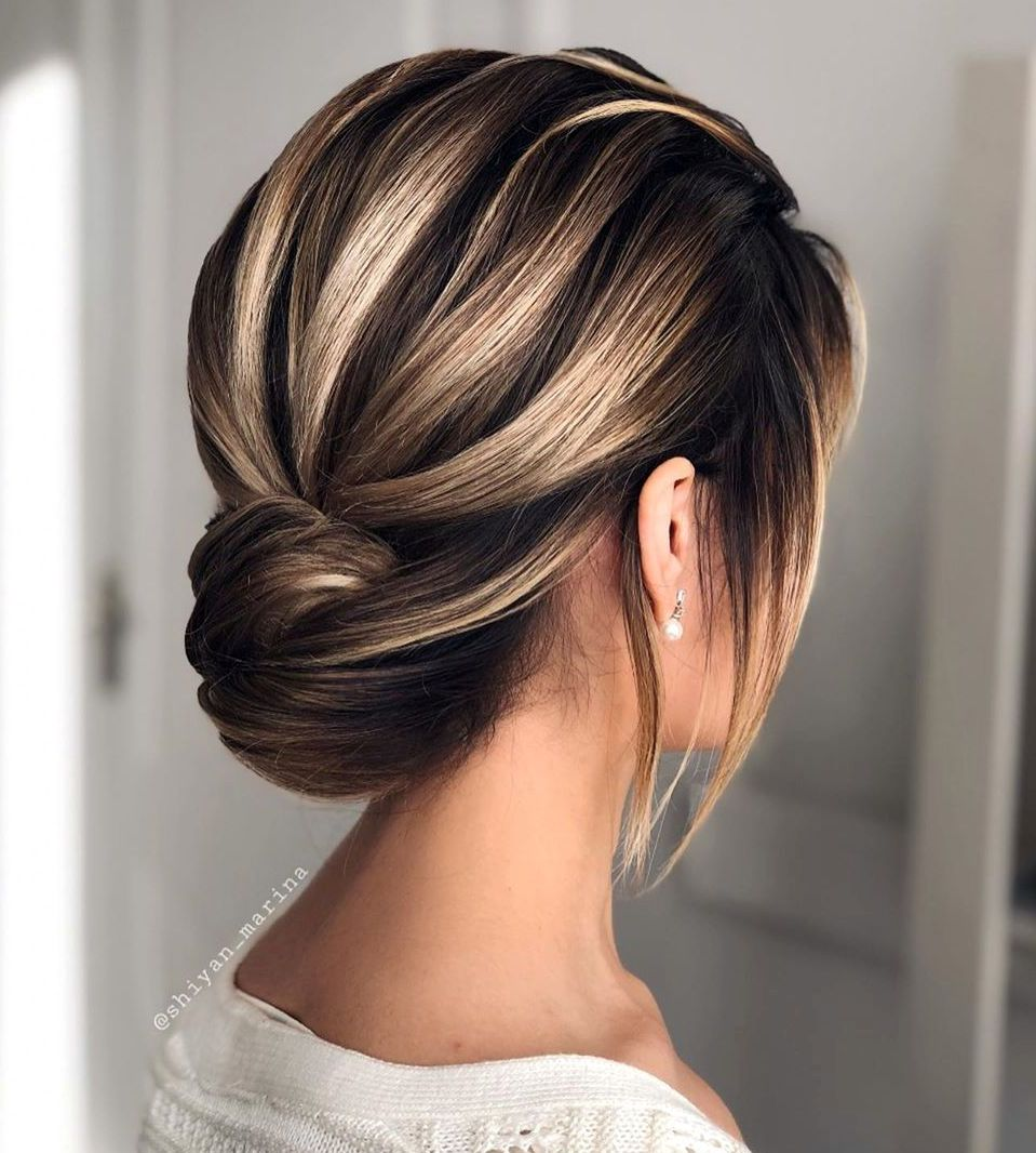 30 Updos for Short Hair to Feel Inspired & Confident in ...