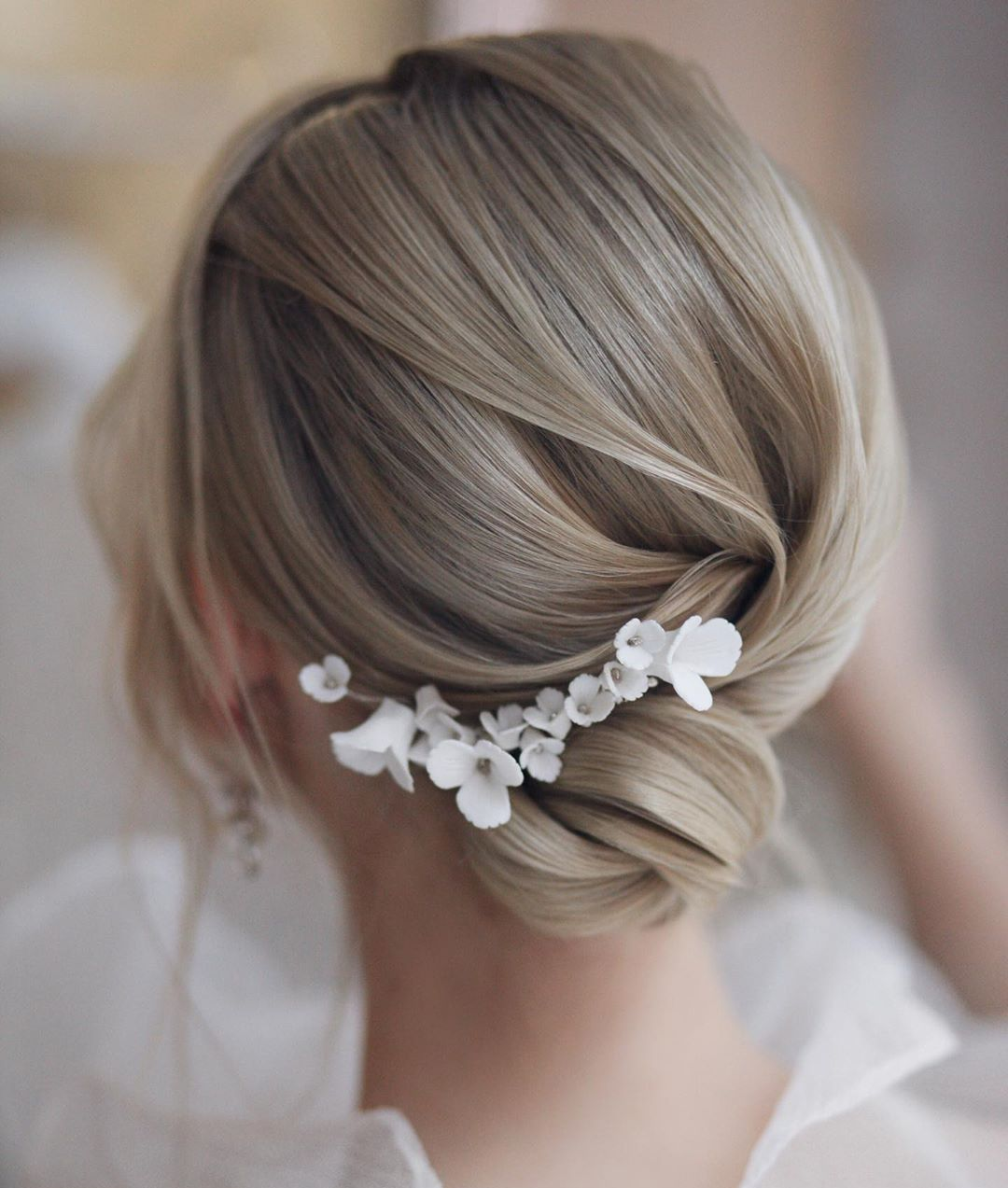 9 Updos for Short Hair to Feel Inspired & Confident in 9 ...