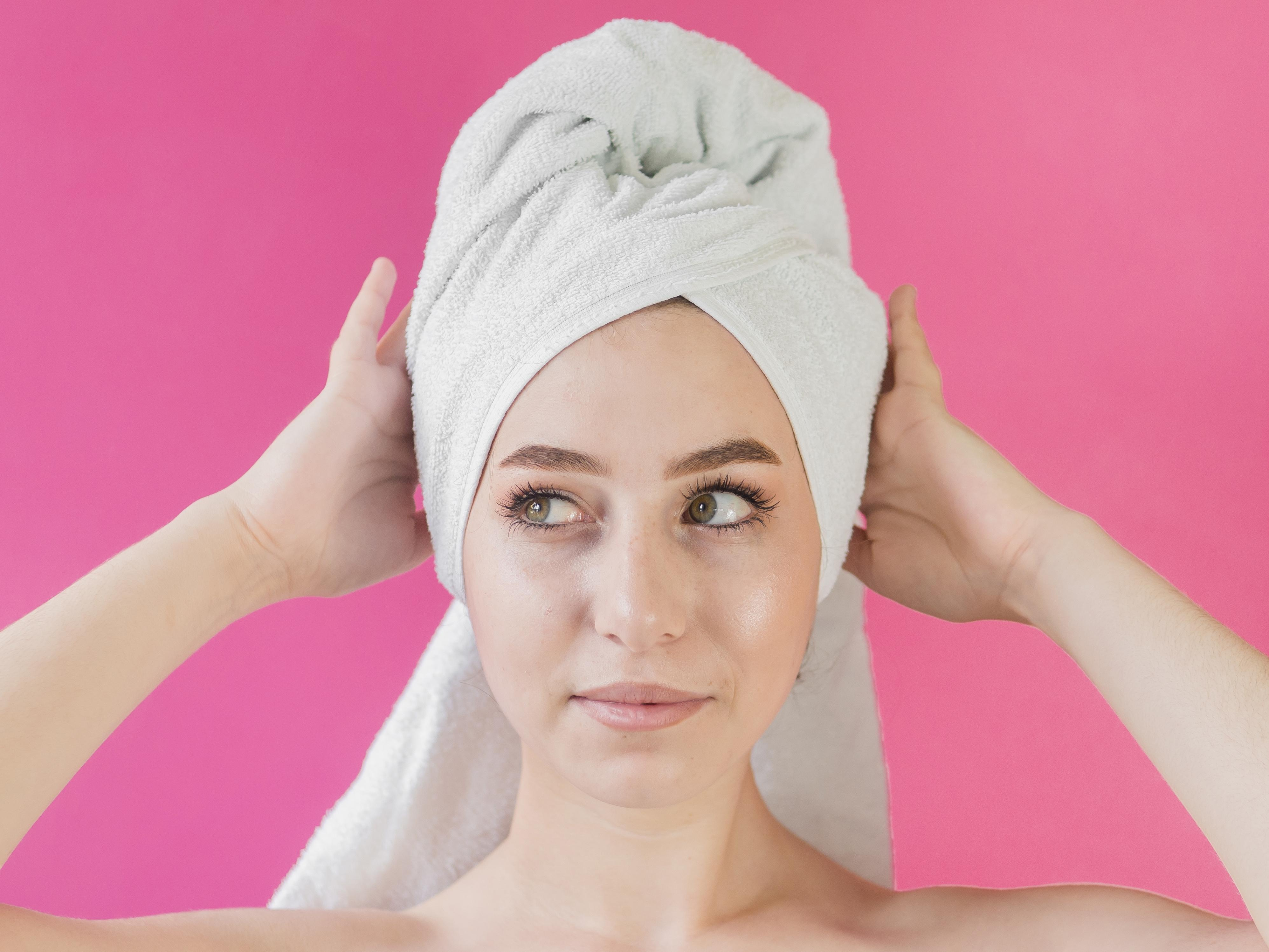 How to Protect Your Hair from Heat in the Sauna