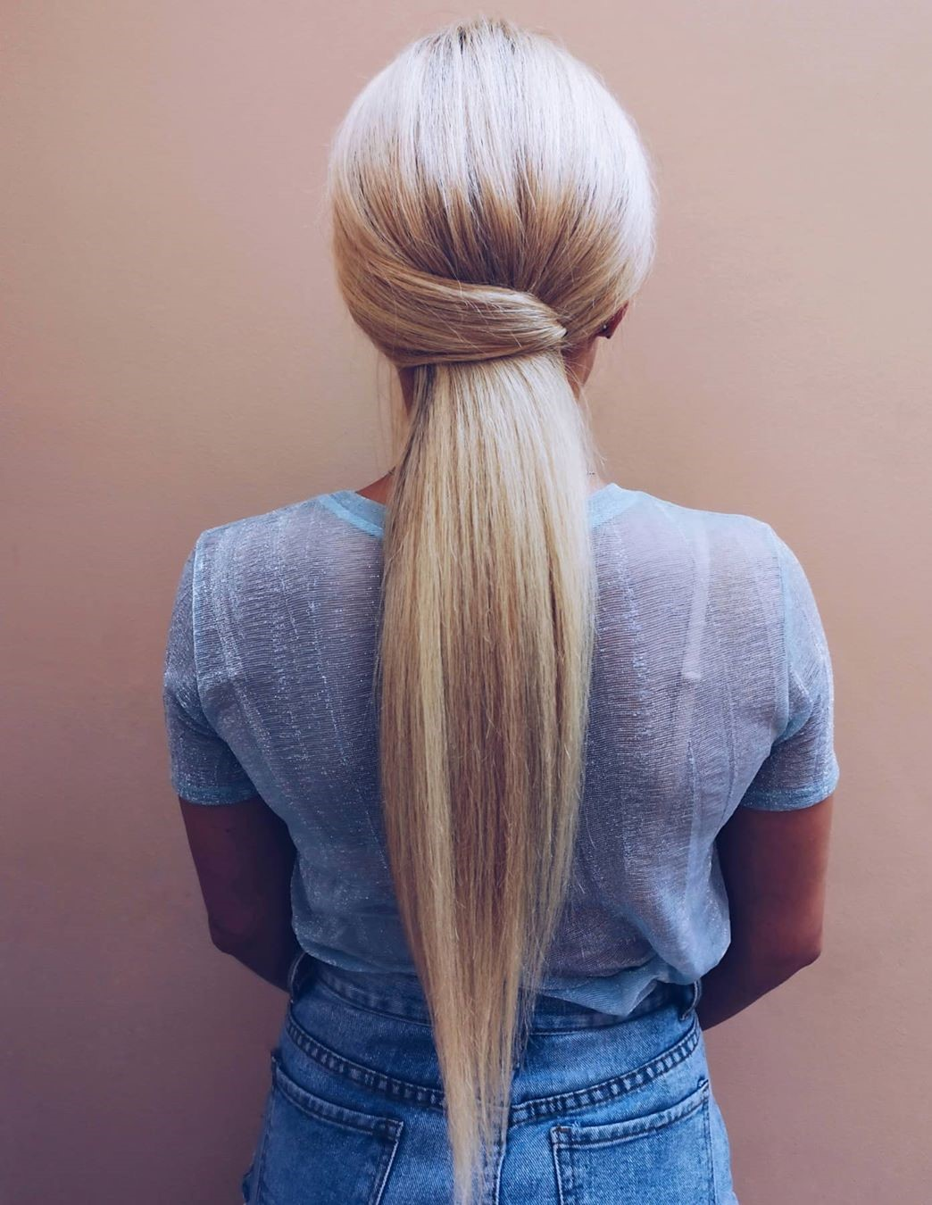 Easy Down Hairstyle for Long Thick Hair