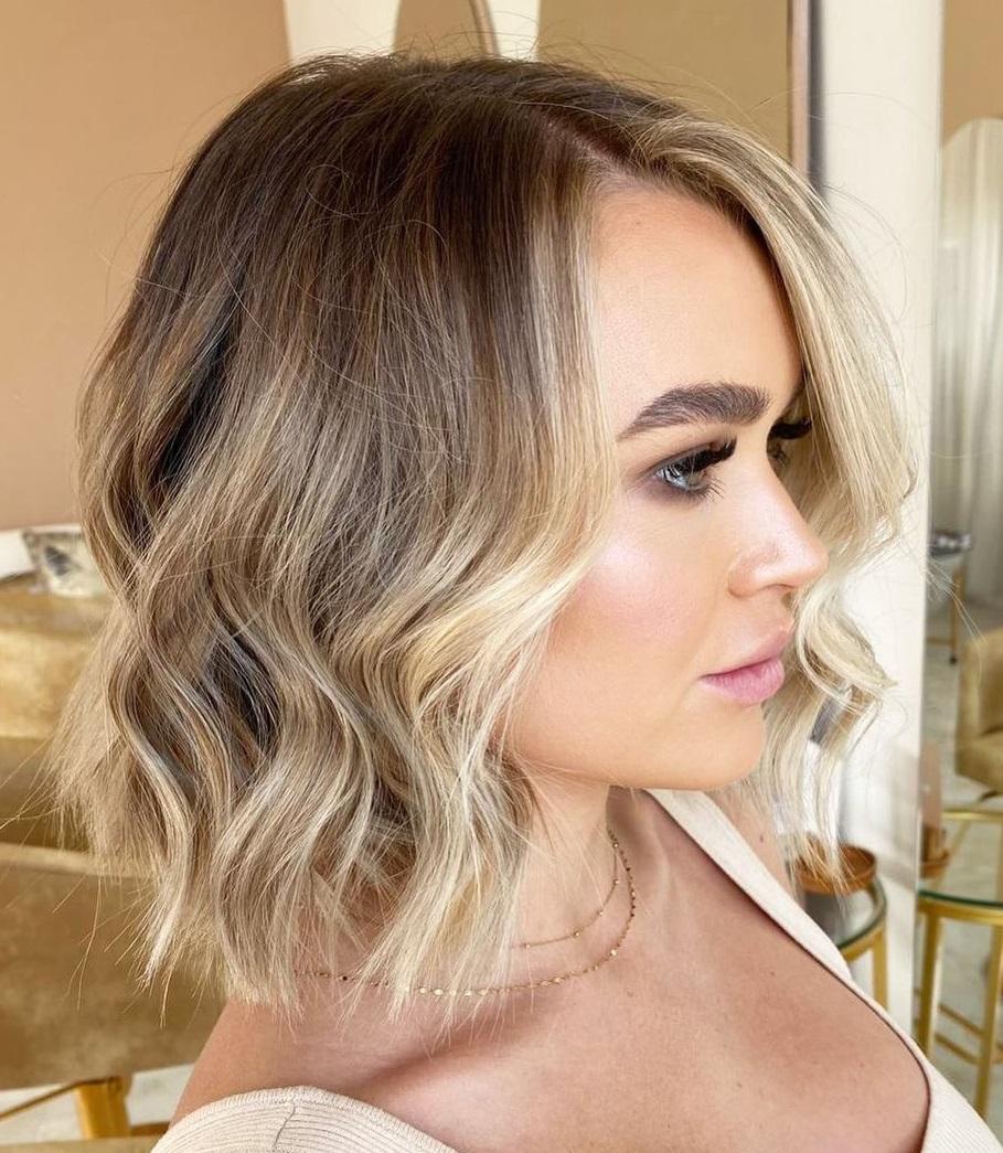 Short Hair with Face-Framing Balayage