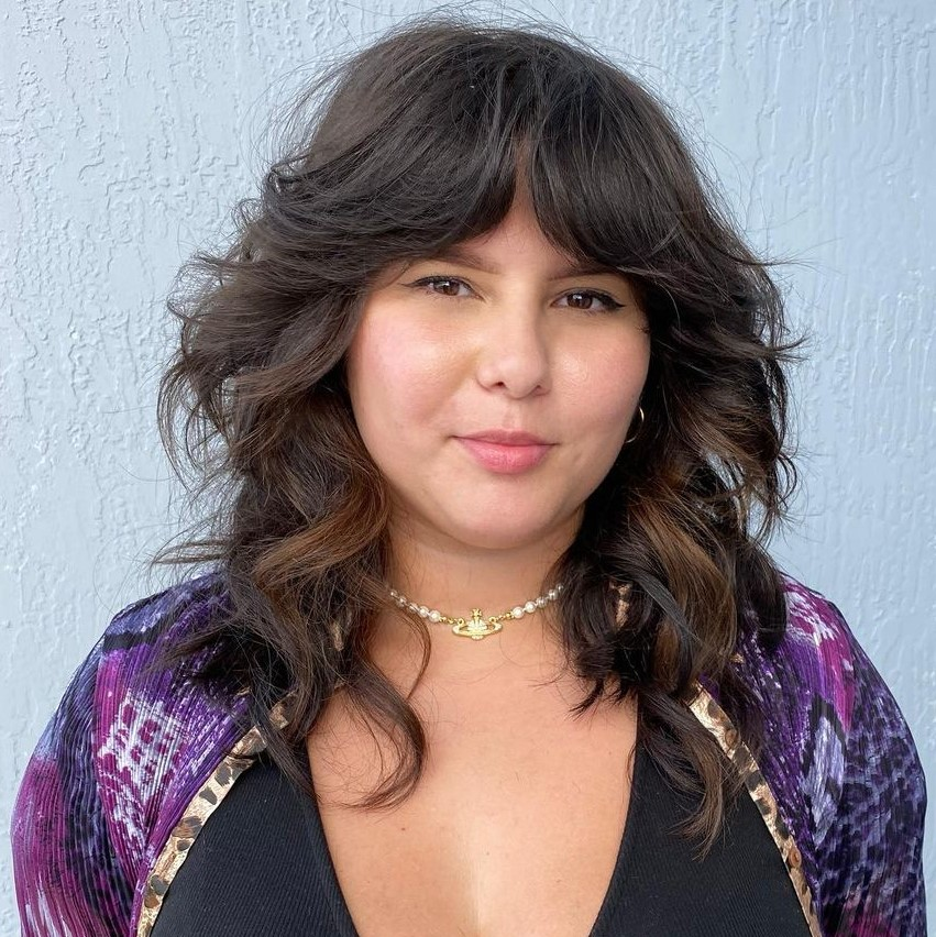 Shaggy Haircut for Women with Fuller Figure and Double Chin