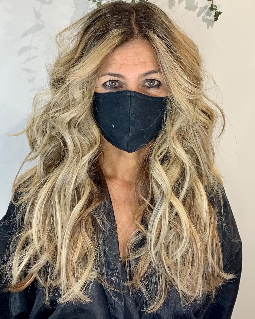 Long Wavy Balayaged Hairstyle for Mature Ladies with Thick Hair