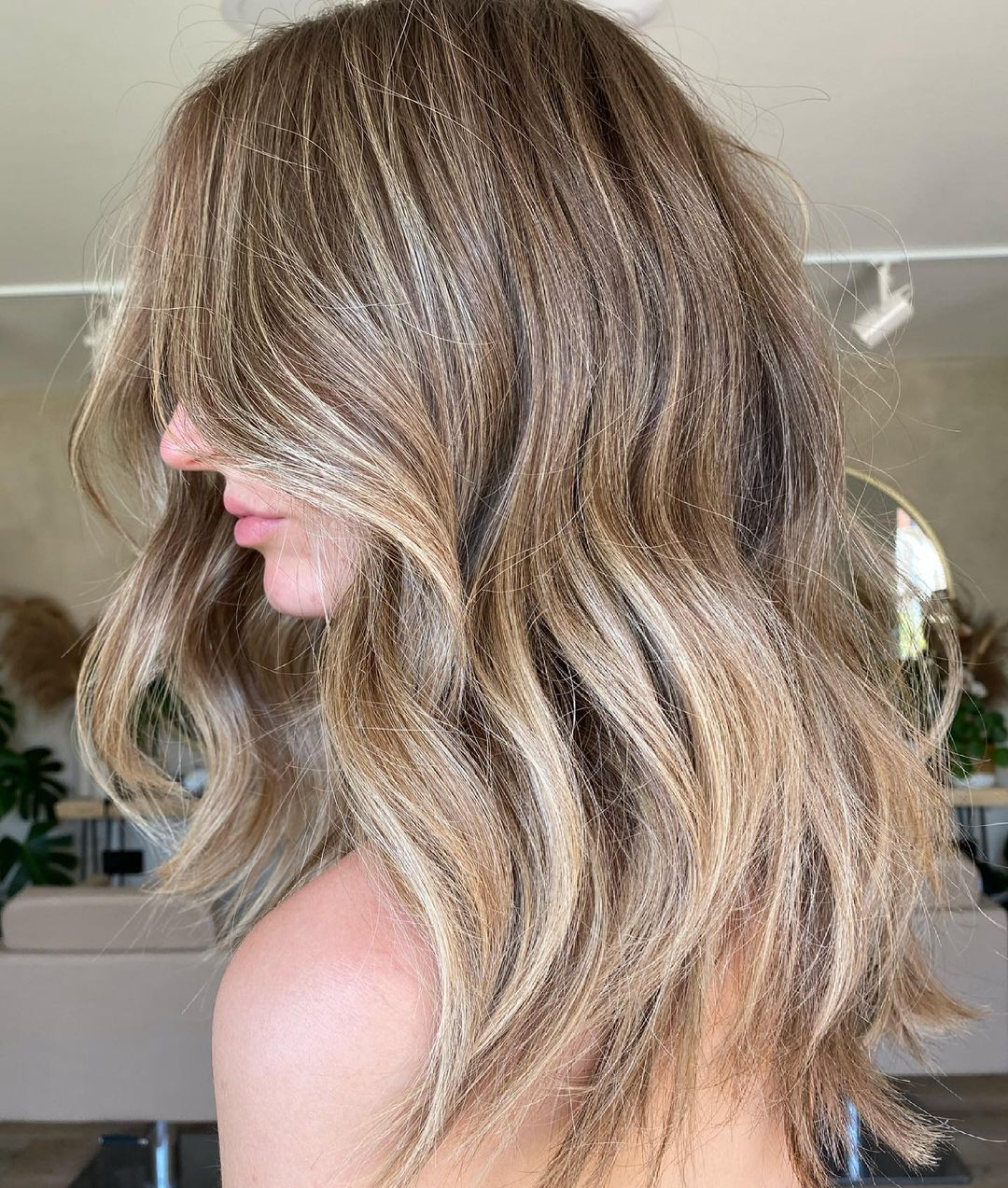 Lovely Sandy Blonde Hair with Highlights