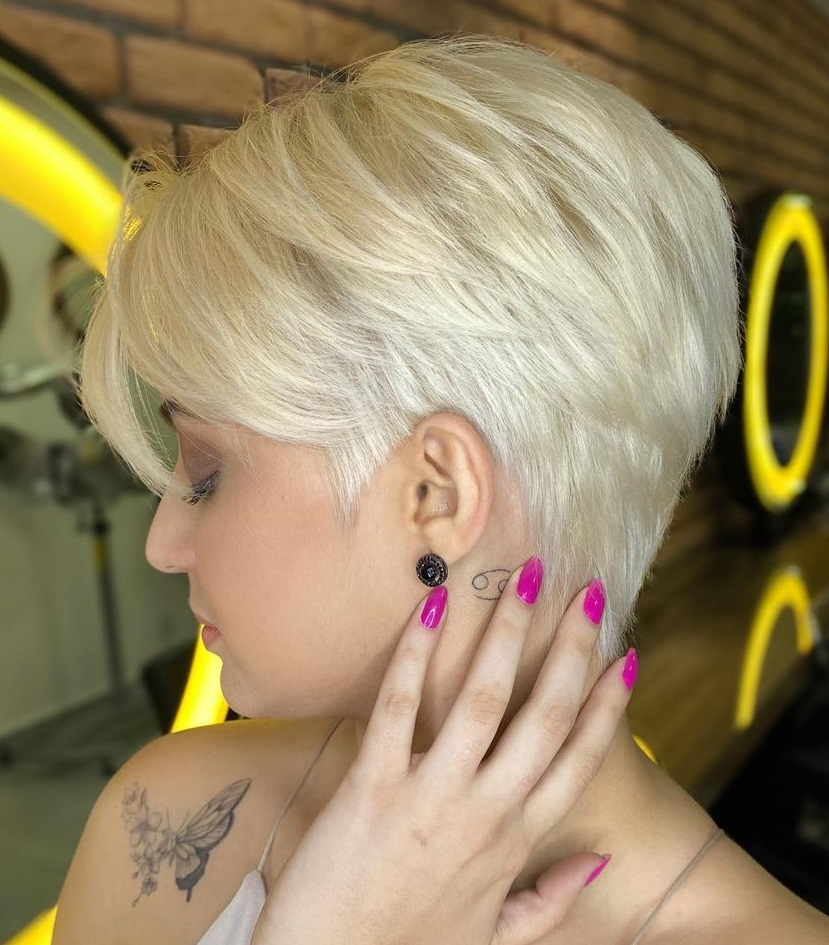 Formal Blonde Pixie Hairstyle