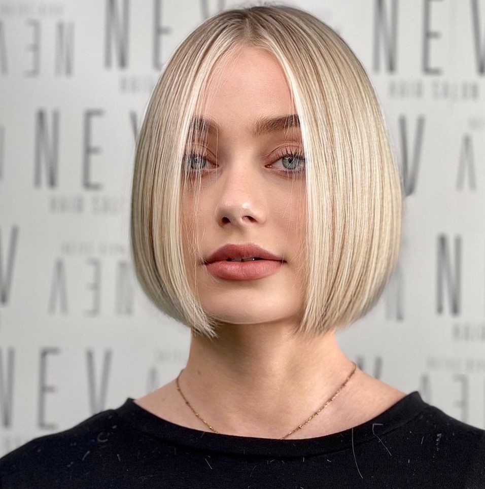 Smooth Blonde Bob for Fine Hair