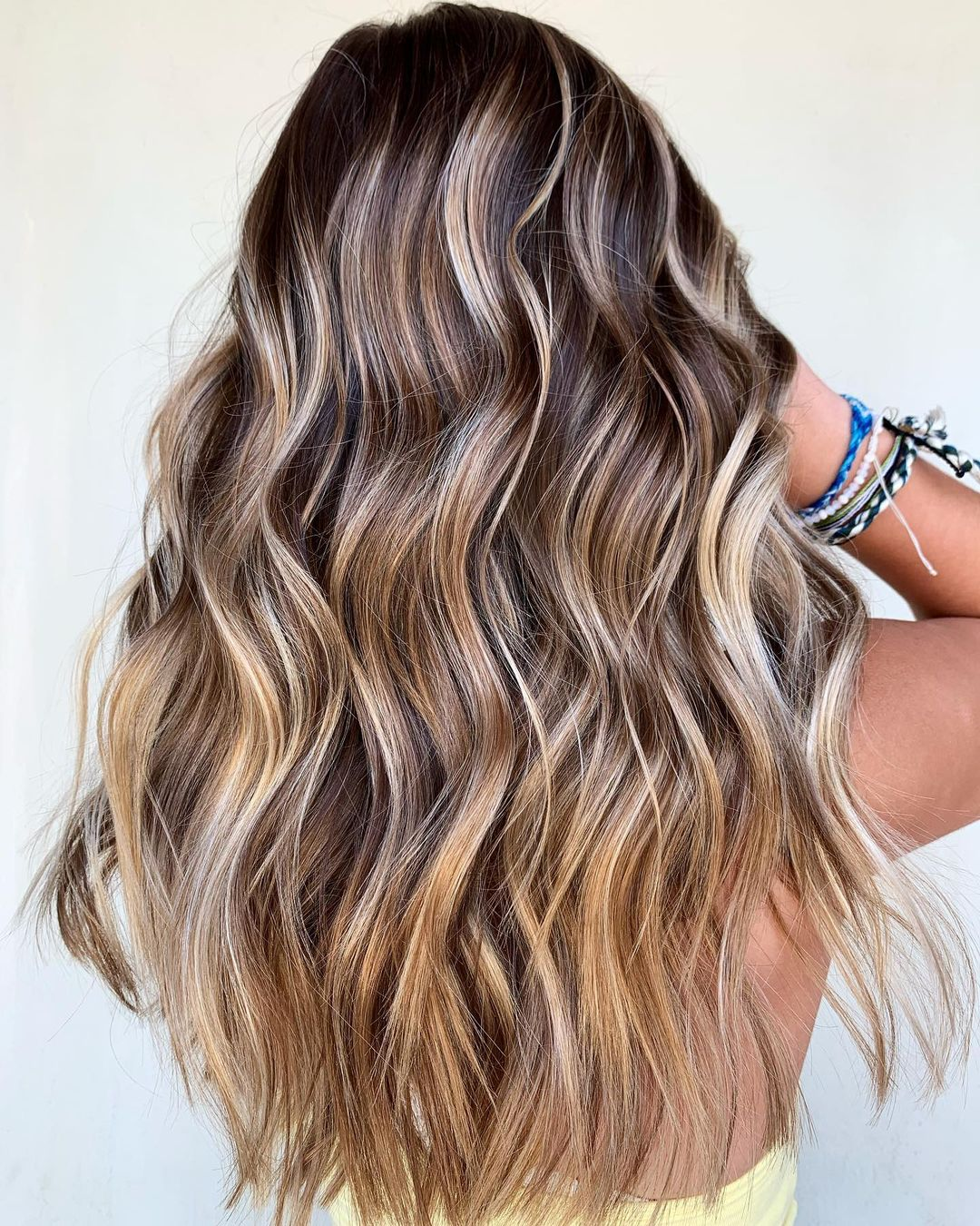 Dark Roots and Highlights Hair Ideas
